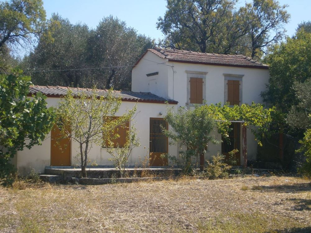 Picture of Land Plot and House - Lesvos - Polichnitos