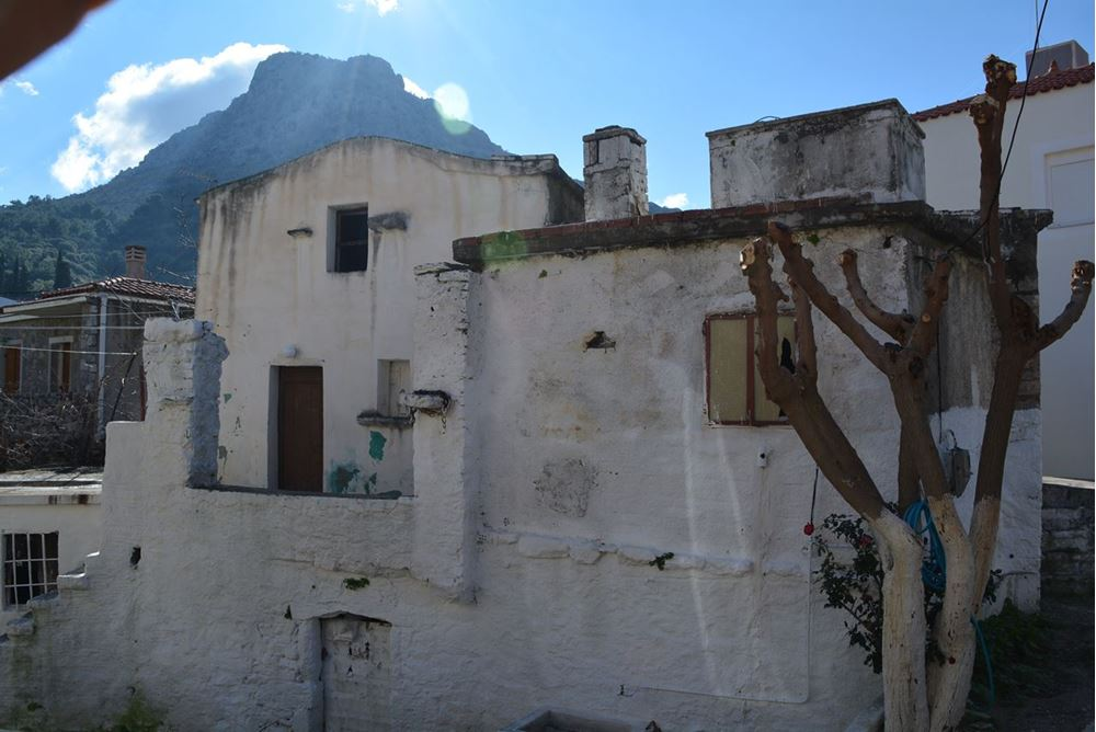 Picture of Two storey old building - Chios - Kardamyla